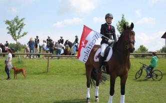 Lea-Sophie Denker mit ihrem Pferd Cantapper